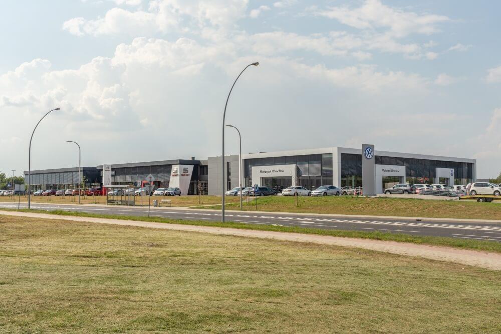 Projekt konstrukcyjny kompleksu obsługi samochodów - fot. 02-03
